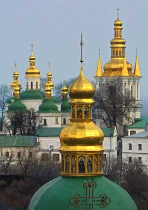 Ukraine_monastery_2003_04_25